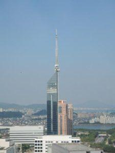 福岡タワー(日中)